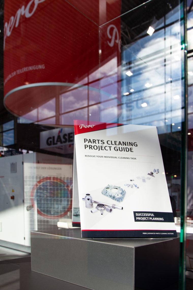Ansicht Leitfaden der Teilereinigung Messestand Pero AG