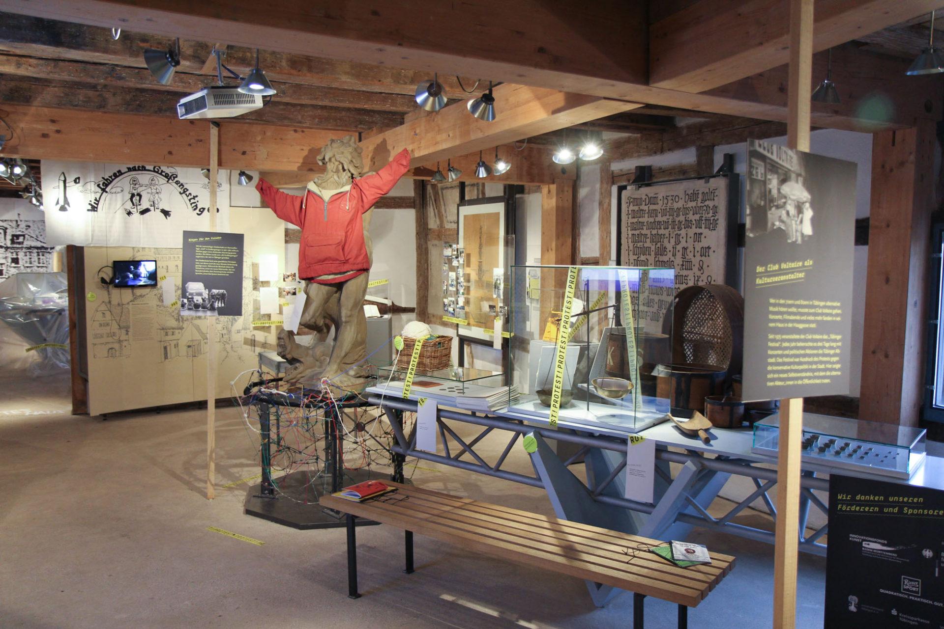 """Ausstellungsstation """"Der Club Voltaire als Kulturveranstalter"""" im Detail"""
