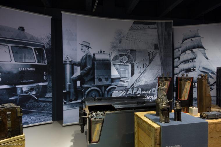 Showroom Varta Ausstellungsgrafik
