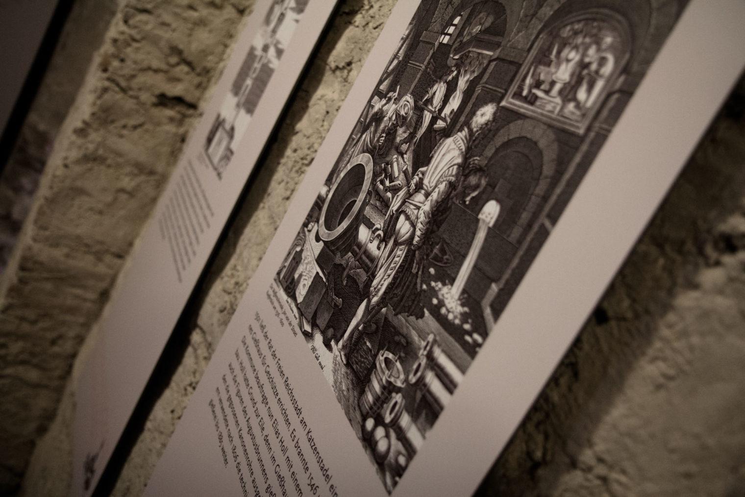 Eine Wandtafel im Detail